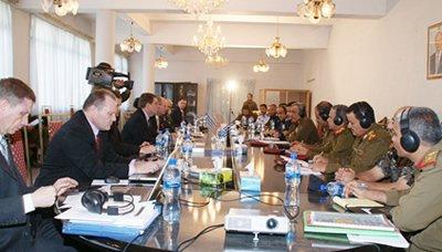 اجتماع بدء الاجتماعات العسكرية والأمنية المشتركة بين اليمن والولايات المتحدة بصنعاء