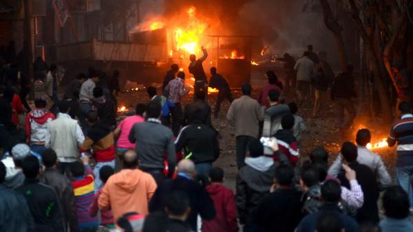 الاخوان1 قتيلان في اشتباكات بين الإخوان والأمن المصري