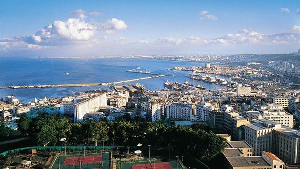 الجزائررر صندوق النقد يدعو الجزائر لضبط الإنفاق مع هبوط النفط