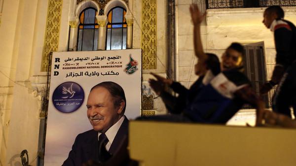 الجزائر1 الجزائر.. النتائج الأولية ترجح بقاء بوتفليقة رئيساً