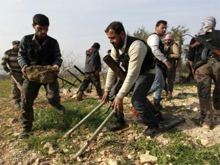 الجيش الجيش الحر يقصف موقعين لحزب الله في سوريا ولبنان