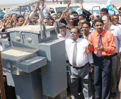 الدريهمي2 قيادة المجلس المحلي بالدريهمي تدشن مشروع تزويد المنازل  بالتيار الكهربائي