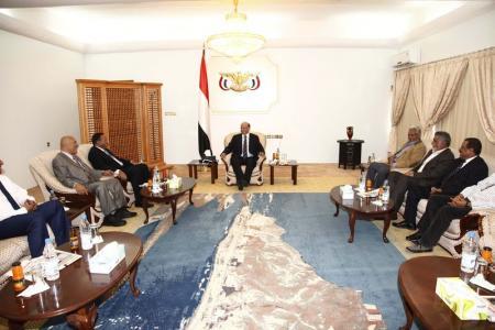 الرئيسس الرئيس هادي يجتمع لأول مرة مع اثنين من محافظي الشمال في عدن