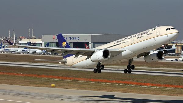السع تفاصيل طائرة السعودية التي تعثرت في مطار مانيلا