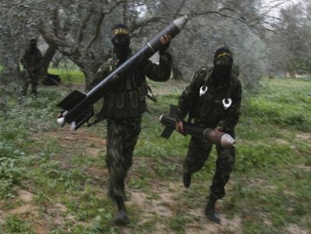 القسام القسام تضرب بئر السبع وإسرائيل تعلق العملية البرية