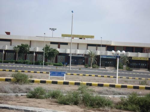 المطار خطة أمنية لإغلاق المنطقة المحيطة بأراضي مطار الحديدة