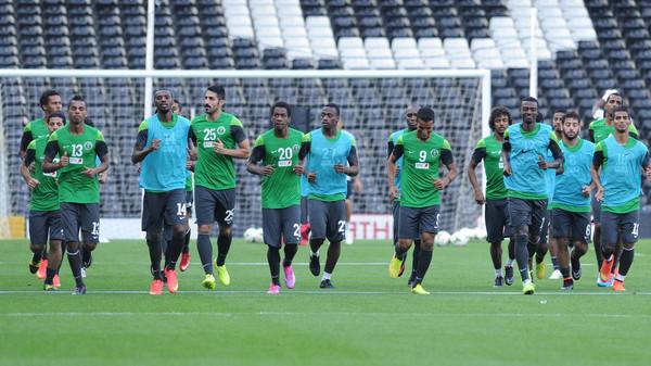 المنتخبب المنتخب السعودي يتدرب مع أطفال أستراليا