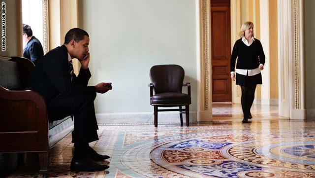 باما هاتف أوباما أكثر الهواتف أمناً وأكثرها مللاً