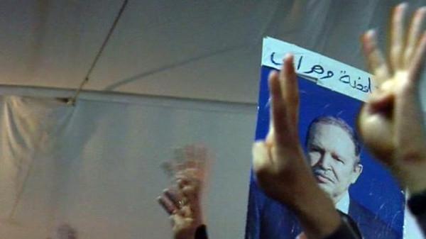 بوتفليقه بوتفليقة يتصدر المرشحين رغم الاحتجاج المتزايد ضده