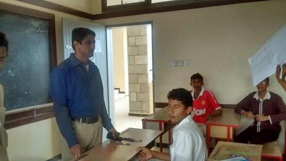 تدشين الامتحانت1 مدير عام الدريهمي يدشن امتحانات الشهادتين الثانويه والاساسيه بالمديرية