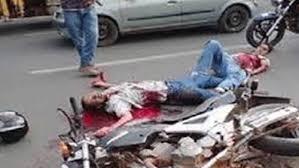تصادم وفاة ثلاثة أشخاص في صدام دراجة نارية مع سيارة بطريق الحديدة