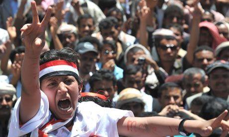 ثوره الكشف عن توظيف 250 ألف شخص منذ بداية الثورة الشبابية في اليمن