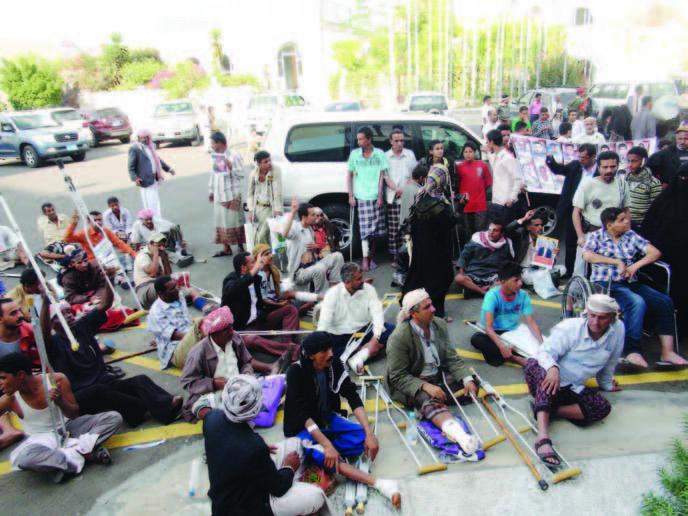 جرحى لجنة طبية مصرية لعلاج جرحى الثورة
