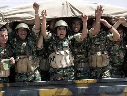 جنود مقتل 48 جندياً سورياً في العراق برصاص مجهولين