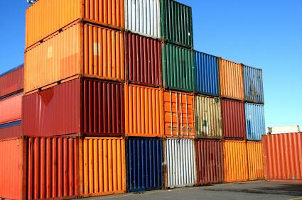 حاويات ضبط 23 حاوية ألعاب نارية في ميناء الحديدة