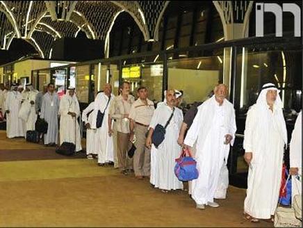 حجاج أكثر من 900 ألف حاج يصلون إلى الأراضي السعودية