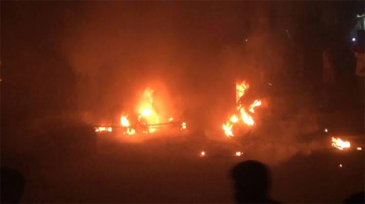 حريق1 احتراق عشرين دراجة نارية وإصابة العشرات في محطة بترول بسبب تلاعب توزيع بمبيعاتها