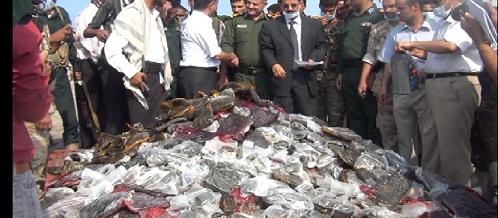 حشيش4 إتلاف 3 أطنان و133 كيلو من الحشيش في الحديدة و700 ألف حبة مخدر