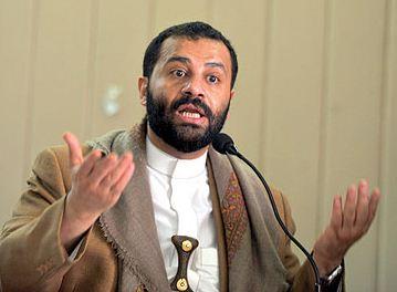 حميدد حميد الاحمر يتوعد الحوثيين بعد إقتحامهم منزل والده