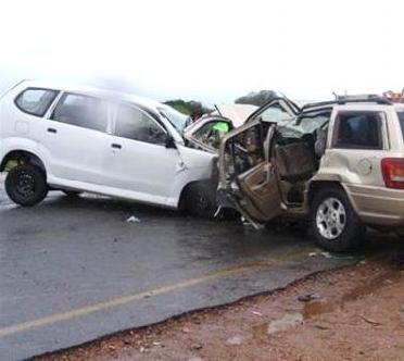 حوادث حوادث المرور أودت بحياة 2065 يمنيا و1,9 مليار ريال خسائر مادية في 2014م