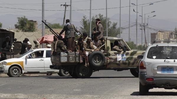 حوثث الحوثيون يمنعون كتيبتين للجيش من التوجه إلى مأرب