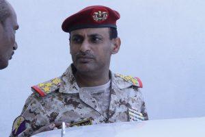 خالد خليل 300x200 نجاة قائد عسكري من محاولة أغتيال وسط مدينة الحديدة