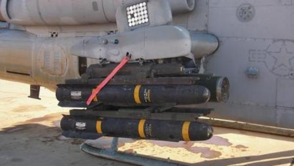 داعش أميركا تسلم العراق صواريخ هلفاير لمحاربة داعش