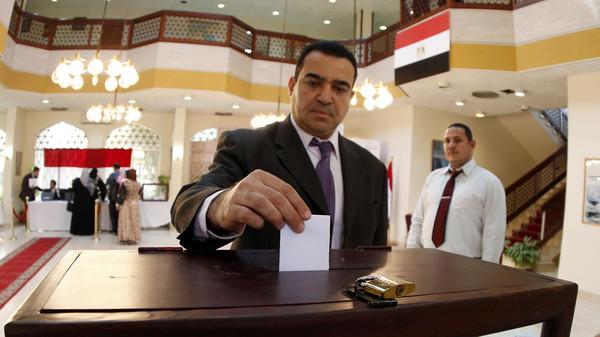 دستور نعم تكتسح النتائج الأولية لتصويت المصريين بالخارج