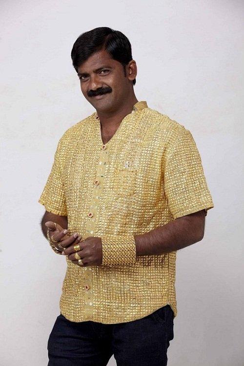 رجل الذهب نهاية مأساوية لرجل اشترى قميصاً من ذهب ليبهر النساء