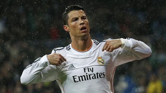 رونالد رونالدو على رأس قائمة المرشحين للفوز بجائزة القدم الذهبية