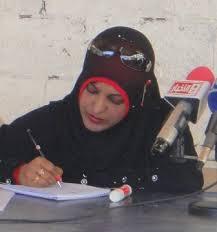 سامية ناشطة بارزة تكشف لرويترز عن تلقيها تهديدات بالاغتصاب من جماعات مسلحة