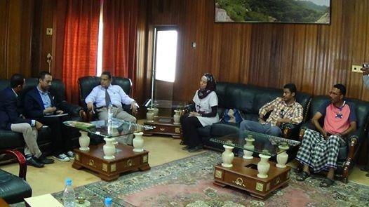 سهل محافظ الحديدة يلتقي رئيس اللجنة الدولية للصليب الأحمر