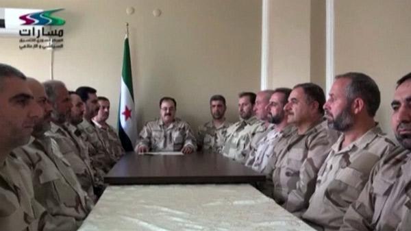 سوريا4 انشقاق بصفوف الحر.. قادة 17 كتيبة يرفضون إقالة إدريس