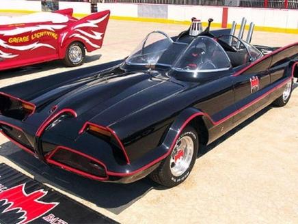 سيارة سيارة الرجل الوطواط تباع في مزاد بـ2.4 مليون دولار