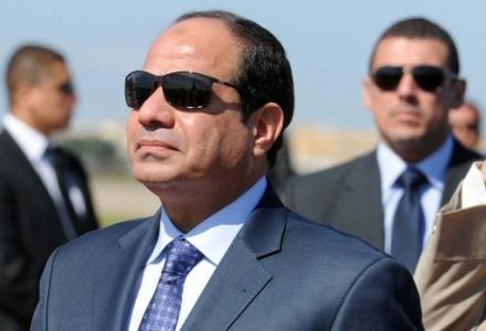 سيسيس السيسي يدافع عن قرار الحكومة خفض دعم الوقود مع فرض ضرائب جديدة على السجائر والكحوليات