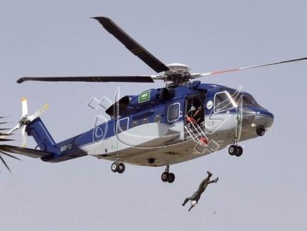 طائرة1 جندي سعودي  يسقط من مروحية في احتفالية الدفاع المدني
