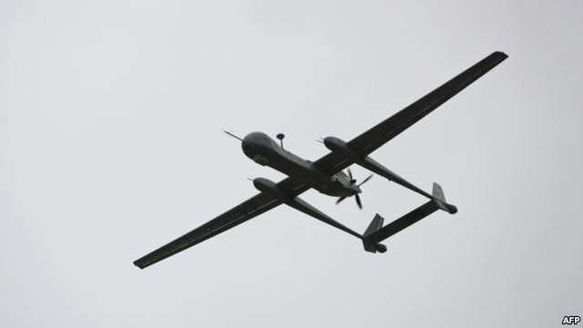 طائره7 مقتل 15 من عناصر القاعدة وثلاثة مدنيين في غارة جوية بمحافظة البيضاء