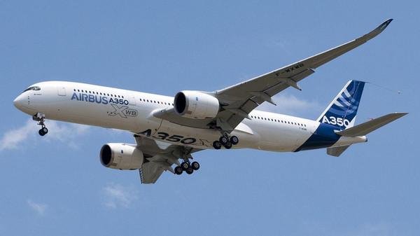 طالبات1 إيرباص A350 تصل للمنطقة وتطويرها بـ15 مليار دولار