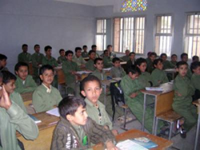 طلاب مدارس يمنيين مدارس الحديدة تغلق أبوابها أمام الطلاب بسبب اضراب المعلمين