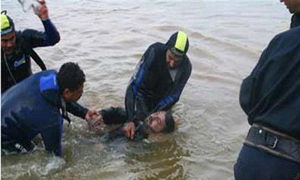 غريق(1) الحديدة .. وفاة اربعة اشخاص غرقا بعرض وانقاذ آخرين