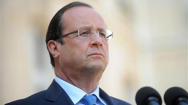 فرنسي الرئيس الفرنسي يزور السعودية لبحث أوضاع المنطقة