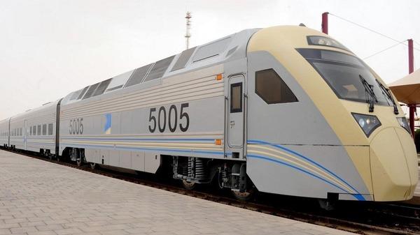 قطار قطار كهربائي بين الرياض والدمام بسرعة 300 كم بالساعة