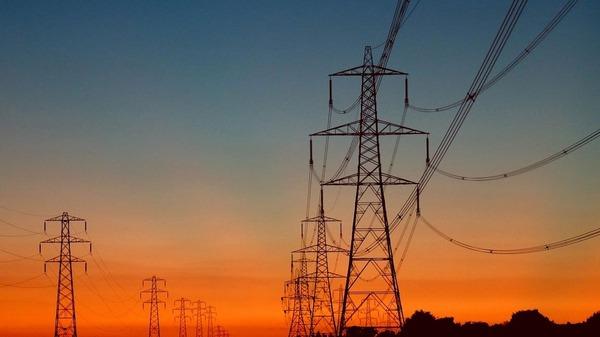 كهرباءء مشروع ضخم لربط التيار الكهربائي بين السعودية ومصر