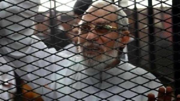 مرشد محكمة مصرية تحيل أوراق مرشد الإخوان للمفتي