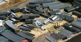 مسد ضبط قطع غيار أسلحة خفيفة في نقطة كيلو 16 بالحديدة
