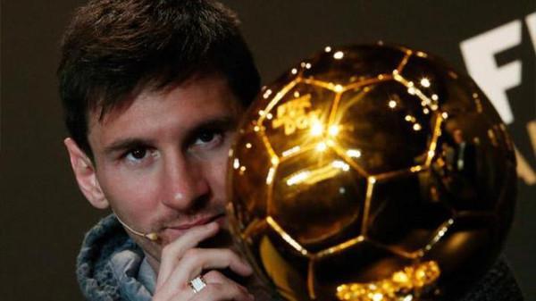 ميسي5 الأرجنتينيون سعداء بفشل ميسي في نيل الكرة الذهبية