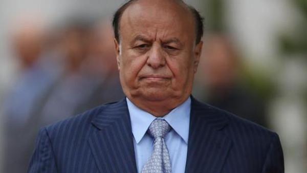 هادد2 هادي يغادر صنعاء ويصل عدن.. والحوثيون ينهبون قصره