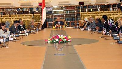 هادي15 رئيس الجمهورية يرأس إجتماعا للجنة التوفيق لمناقشة آلية تشكيل لجنة صياغة الدستور