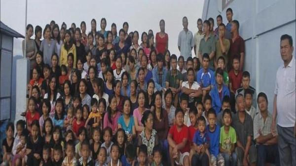 هندي3 مرشح للبرلمان الهندي له 39 زوجة وأبناؤه وأحفاده 127