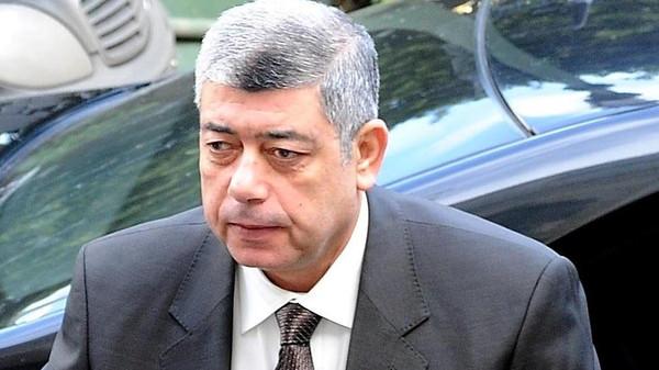 وزير الداخليه المصري أسرة تتناول الإفطار وتؤخر وزير داخلية مصر 45 دقيقة